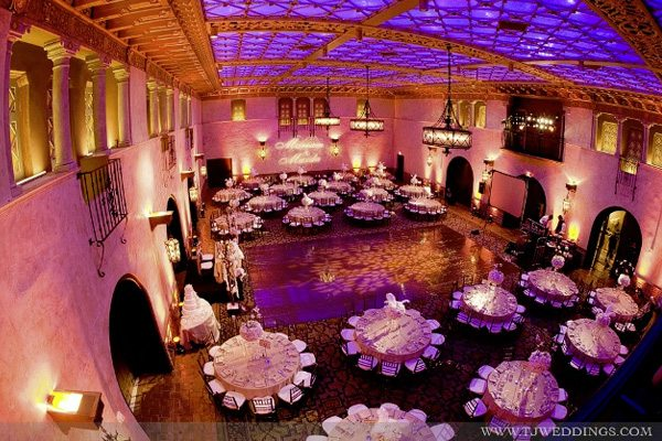banquet-halls-are-great-for-dinner-and-dancingresize