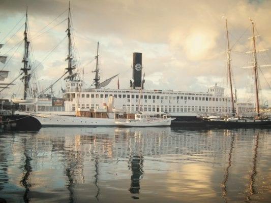Berkeley Ferry - Creighton - WeddingCompass.com