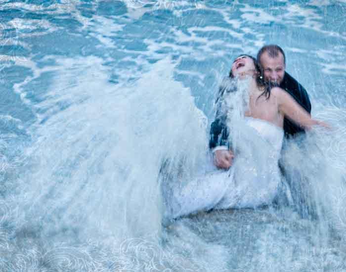 WeddingCompass.com - TrashTheDress_iLookBackPhotography_002