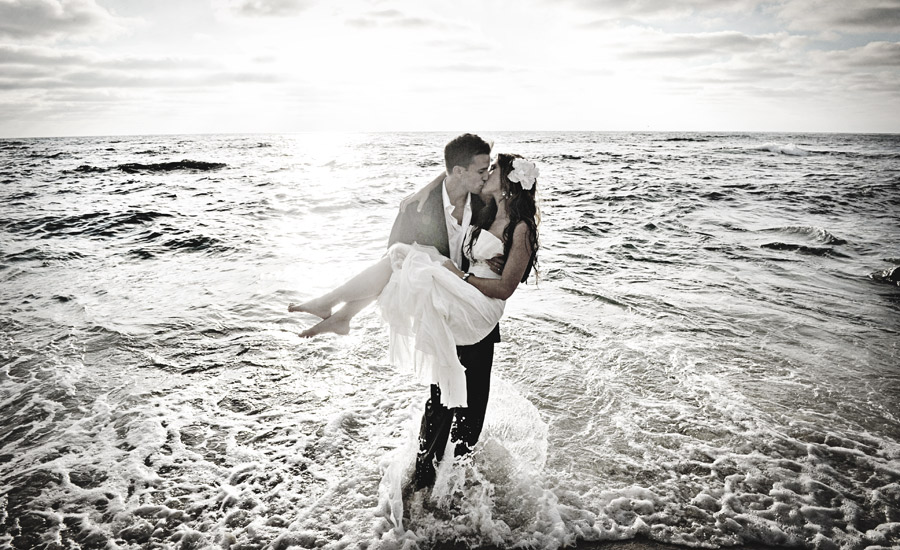 WeddingCompass.com - TrashTheDress_iLookBackPhotography_001
